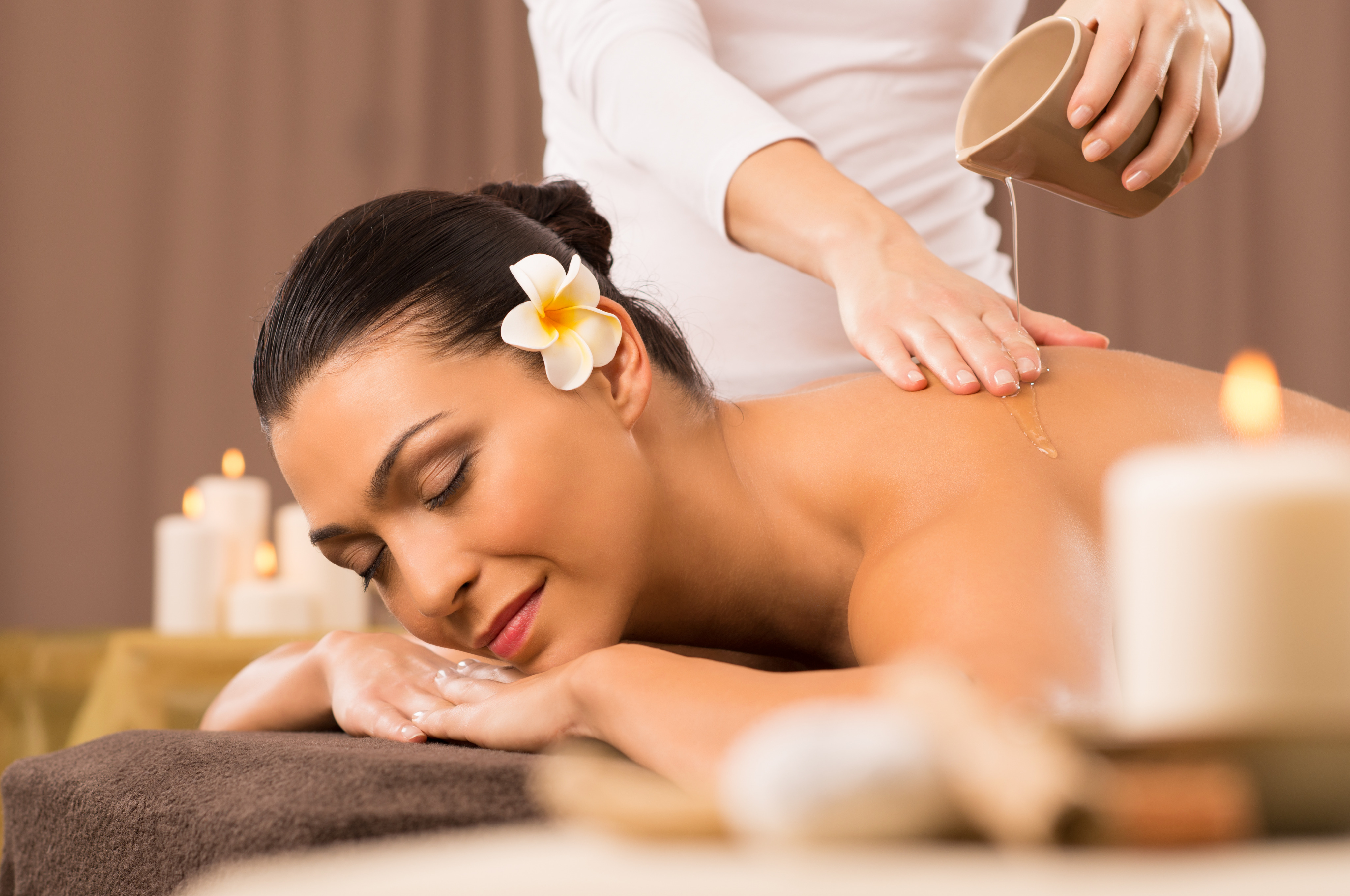 Massage Tinh Dầu - Esential Oil Massage