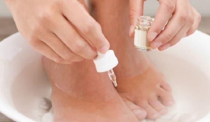 dầu dừa trị nấm chân
